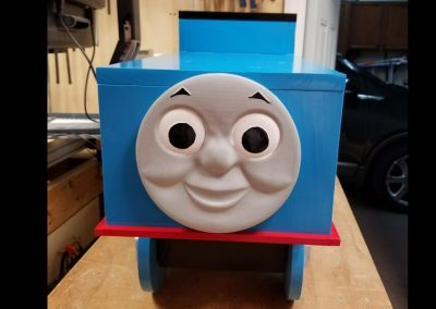 thomas train front view wood design